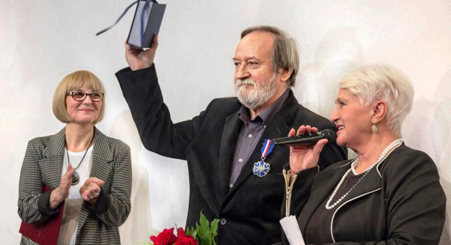 002_od-lewej-Ewa-Wytrążek,-Andrzej-Podkański,-Bożenna-Leszczyńska_fot-Wanda-Hansen