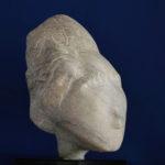 Głowa marmur biała Marianna, wysokość 38 cm.